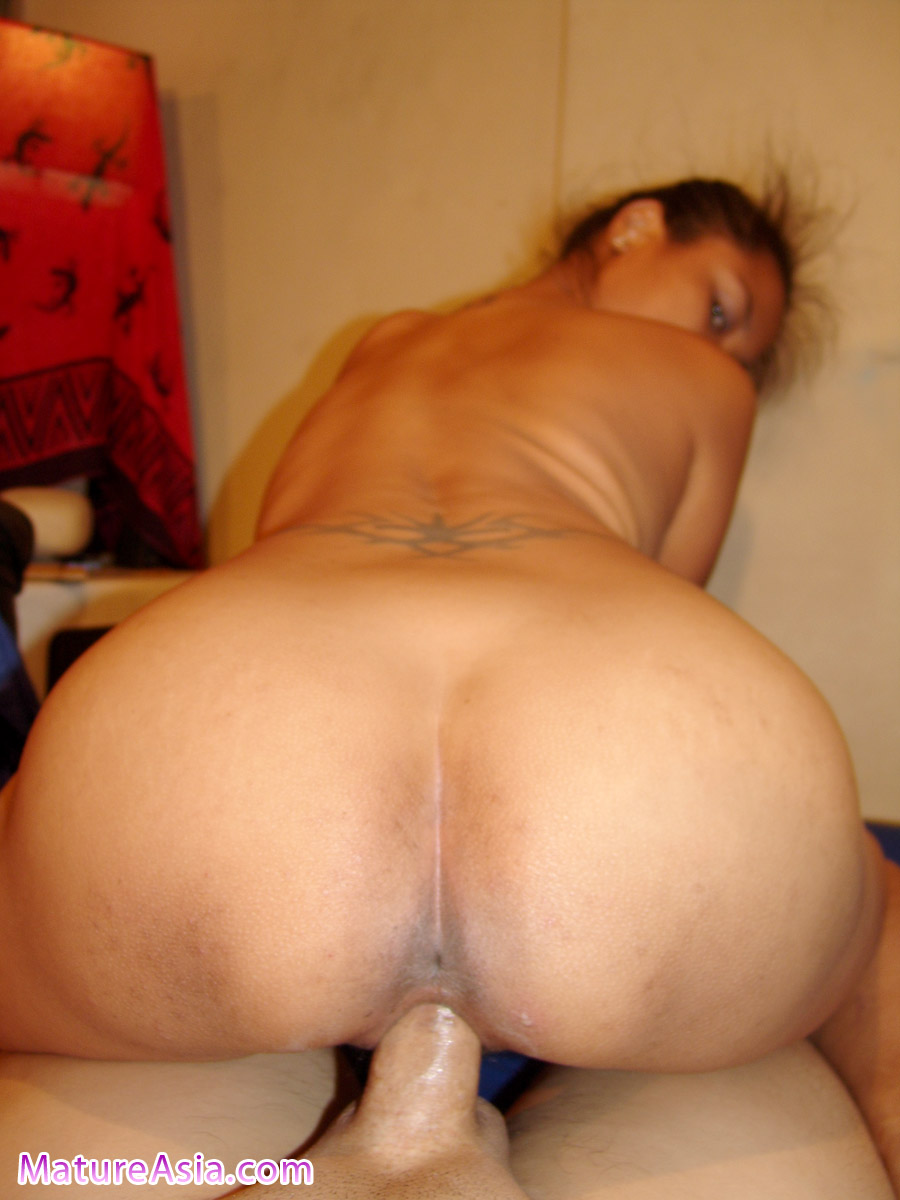 female nudist smooth