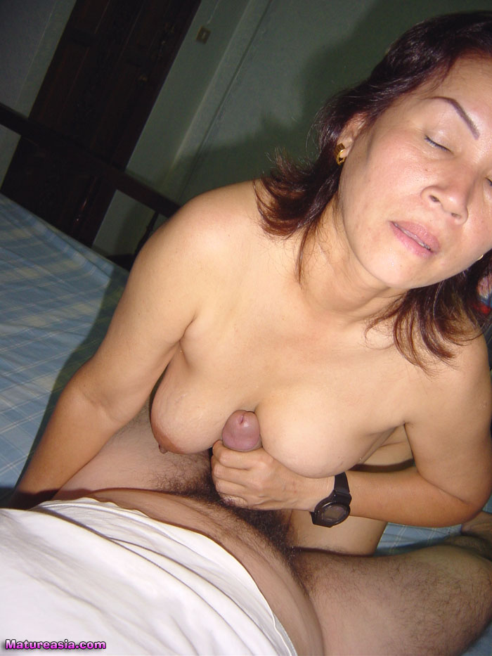 Tow woman one man hot sex